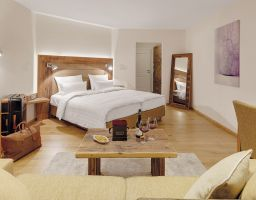 Schwarzwaldhotel Adler Häusern - Luminous Hotel Photography by T. Haberland