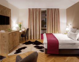 Hotel Alpenhotel Munich - Luminous Hotel Photography by T. Haberland - Luminous Hotel Photography by T. Haberland