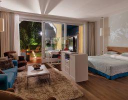 Hotel Giardino Ascona - Leuchtende Hotel Fotografie von T. Haberland