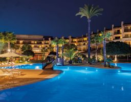 Precise El Rompido - Leuchtende Hotel Fotografie von T. Haberland