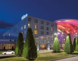 Hilton Airport - Luminous Hotel Photography by T. Haberland