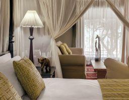 Mokuti Etosha Lodge - Luminous Hotel Photography by T. Haberland